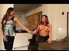 Transsexuelle Baise Une Femme: 933 Vidéos
