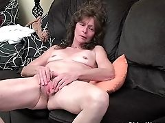 Cunt, Granny, Hairy, Jerking, Masturbation, Mature, MILF, Saggy Tits,