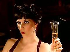 Sexo Anal, Arabelle Raphael, Bdsm, Dominante, Maitresse Madeline, Nerine Mechanique, Palmada, Strapon, Teatro ,