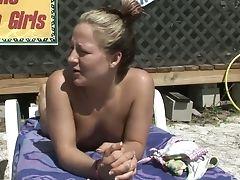 Cul, Bimbo, Dans La Salle De Bain, Sur La Plage, Gros Nichons, Bikini , Blonde, Sans Seins, Brunes, Lesbiennes,