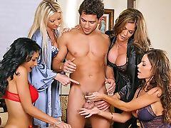 Peitos Grandes, Loiras, Boquete, Morena , Carolyn Reese, Pênis, Ffm , Sexo Em Grupo , Hunter Bryce, Lésbicas ,